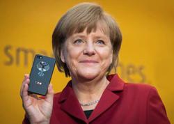 Dünya dövlətlərinin liderləri hansı mobil telefondan istifadə edir? - SİYAHI - FOTO