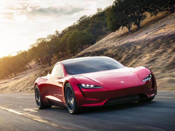 """""""Tesla Roadster"""" uçan avtomobil olacaq"""