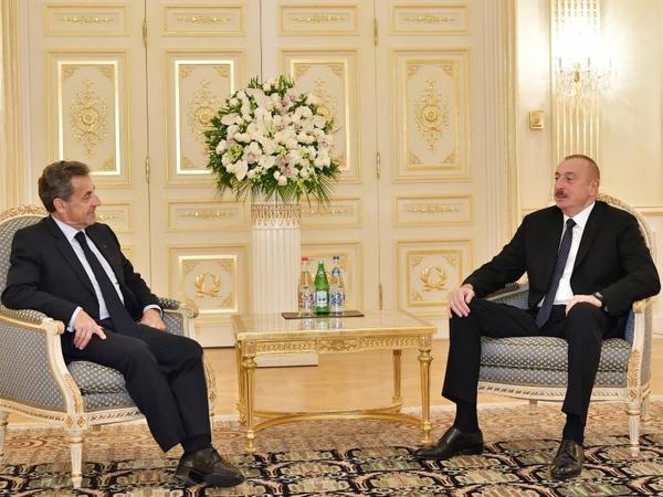 Prezident İlham Əliyev Fransanın sabiq Prezidenti Nikola Sarkozini qəbul edib