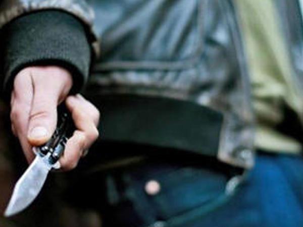 Rusiyada azərbaycanlı qardaşını bıçaqladı