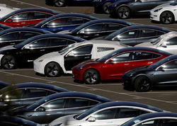 """Tesla"" 14 min avtomobili geri çağırdı - <span class=""color_red"">3 min işçini çıxaracaq</span>"