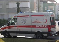 """İstanbulda avtobus aşdı - <span class=""""color_red"""">Yaralılar var</span>"""
