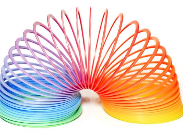 """Milyonlar qazandıran oyuncaq - <span class=""""color_red"""">Slinky</span>"""