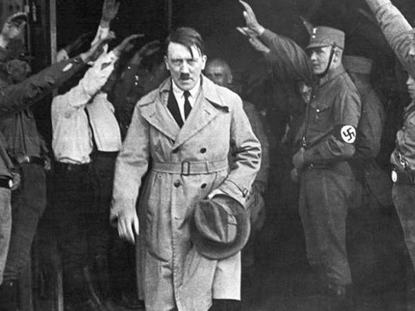 Hitler həyat yoldaşı ilə heç vaxt cinsi münasibətdə olmayıb