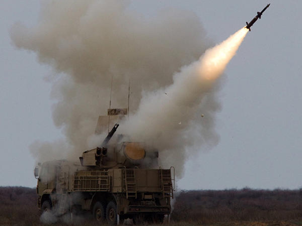 İsrailin Suriyanı bombalama anı - VİDEO