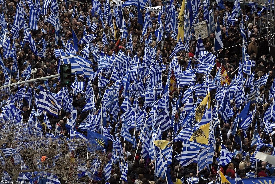 Yunanıstan çalxalanır: