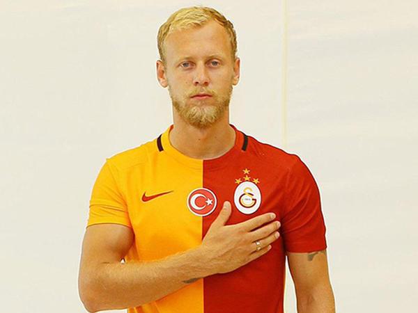 """""""Qalatasaray"""" transferi açıqladı - <span class=""""color_red"""">FOTO</span>"""