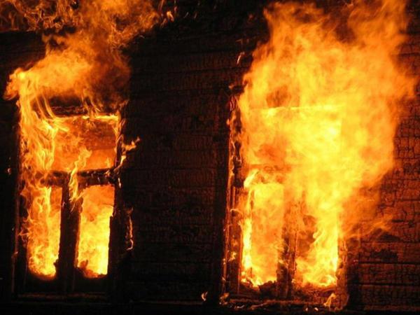 4 otaqlı ev yanıb