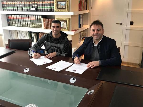 Məşhur futbolçu I Divizion klubuna transfer oldu
