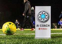 """Bu da oldu - <span class=""""color_red"""">Futbolda ilk dəfə robot məşqçi</span>"""