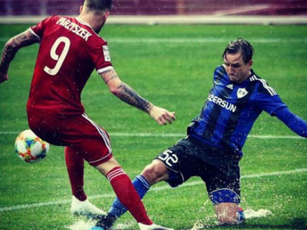 """""""Qarabağ""""ın futbolçusundan maraqlı bənzətmə - <span class=""""color_red"""">""""Su polosu matçında heç-heçə qeydə alınıb""""</span>"""