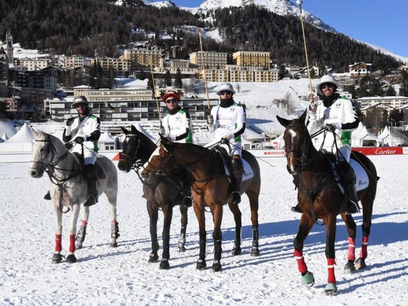 Azərbaycan poloçuları buz üstündə yarışacaqlar -