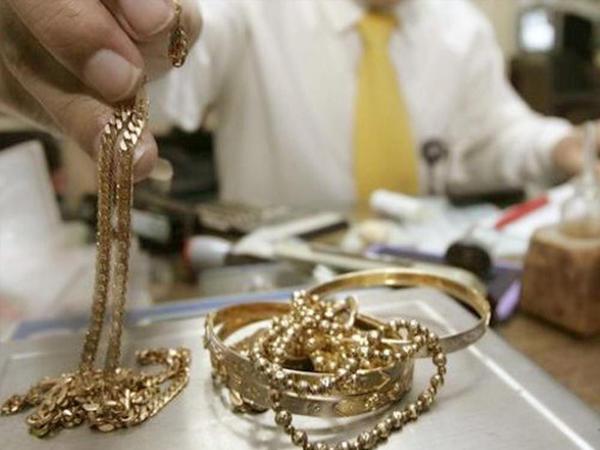 """Ölkədə qızıl-gümüş bazarında <span class=""""color_red"""">ucuzlaşma var</span>"""