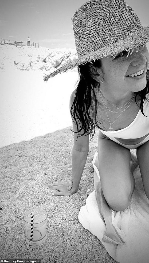 Selena Qomes dərddən qurtuldu, kökəldi - FOTO