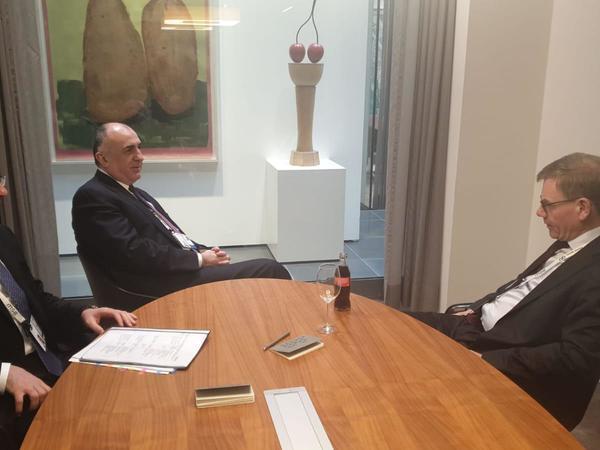 Elmar Məmmədyarov Almaniya Bundestaqının üzvü ilə görüşdü