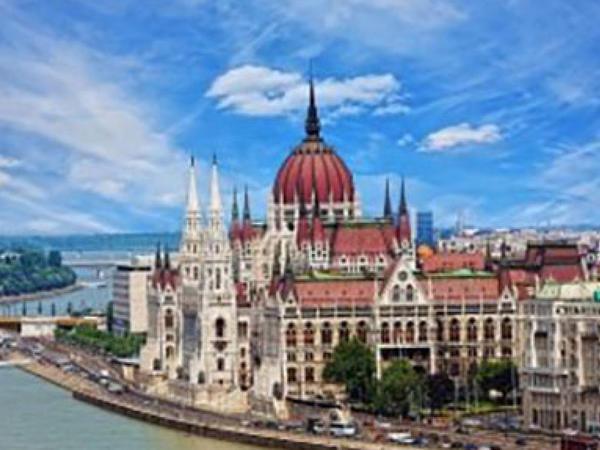 Budapeştdə daşınmaz əmlak bazarında bum yaşanır