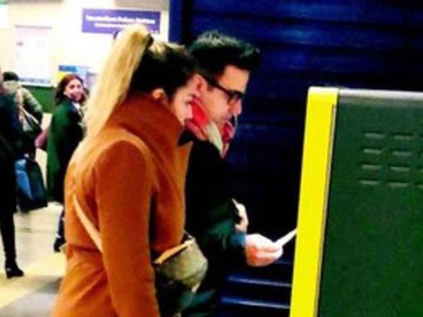 Məşhur müğənni metroda - FOTO
