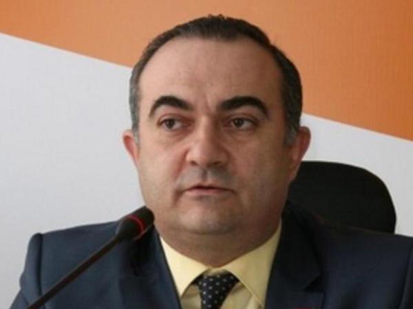 """""""Petrosyan Qarabağı qaytarırdı, Paşinyan isə…"""" – <span class=""""color_red"""">Erməni politoloqdan ŞOK İDDİA</span>"""