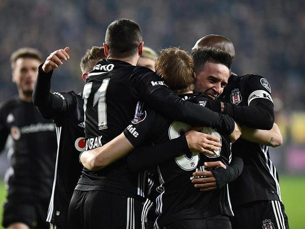 """""""Beşiktaş"""" səfərdən üç xalla qayıdır"""