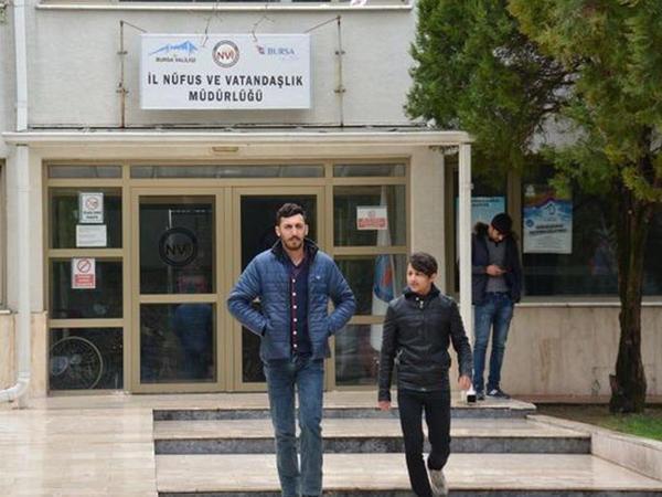 Vətənsiz qalan azərbaycanlı qardaşlar kömək istəyirlər - FOTO