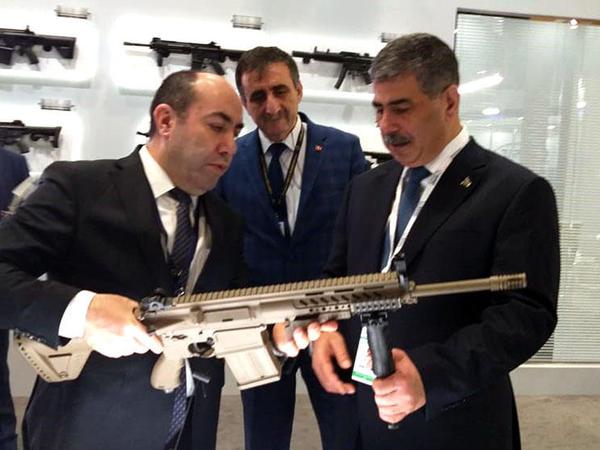 Zakir Həsənov Türkiyənin silahları ilə tanış olub - FOTO