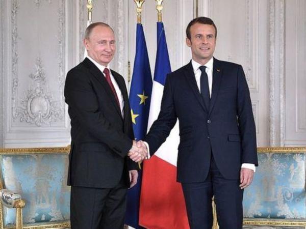 Putin Makronla nədən danışdı?