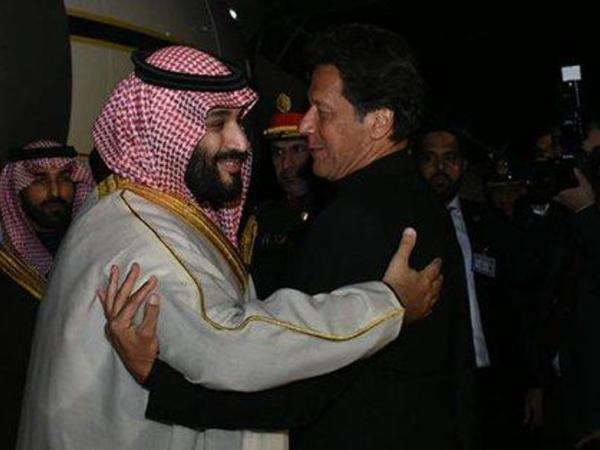 Məhəmməd bin Salman Pakistana rəsmi səfər edib