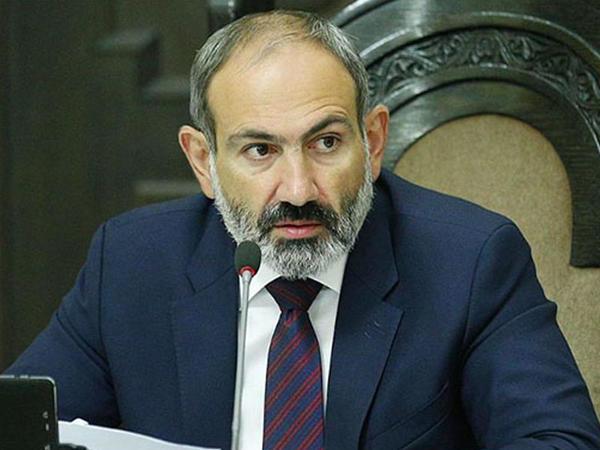 Paşinyan Lukaşenkonun namizədinə qarşı çıxır