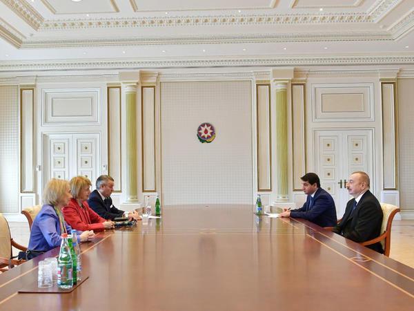 Prezident İlham Əliyev Böyük Britaniyanın Baş nazirinin Azərbaycan üzrə ticarət elçisini qəbul edib - FOTO