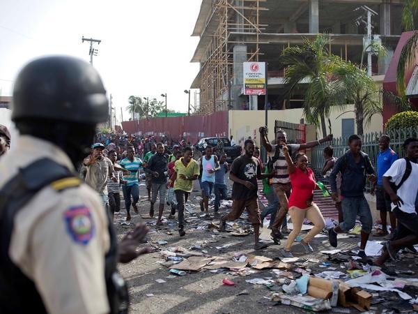 Haitidə iğtişaşlar zamanı beş ABŞ vətəndaşı saxlanılıb