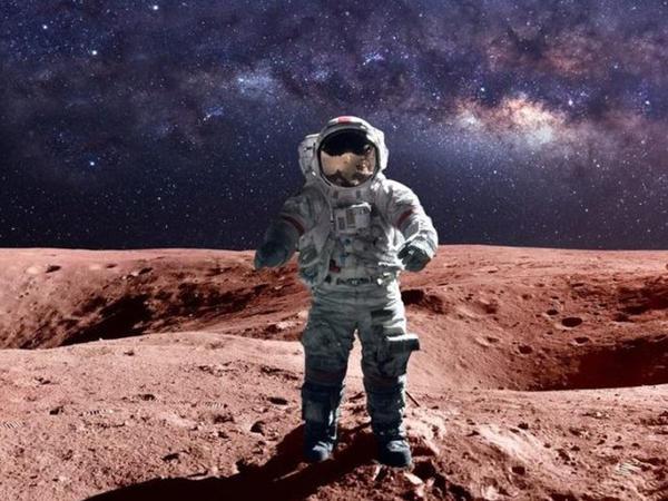 """NASA zarafatcıl astronavt axtarır - <span class=""""color_red"""">SƏBƏB</span>"""