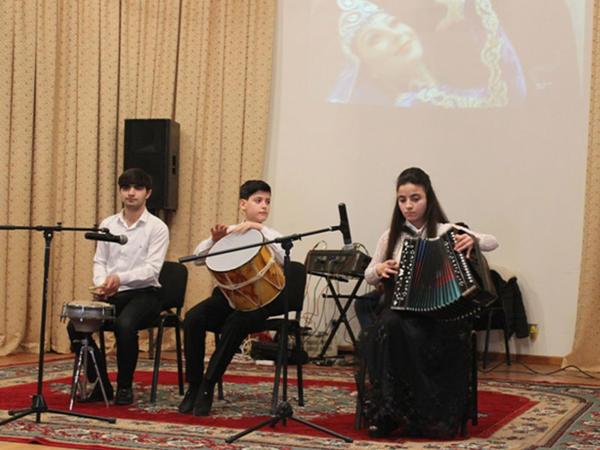 """Horadiz şəhər Muğam Mərkəzində """"Ana Vətən"""" adlı konsert keçirilib - FOTO"""