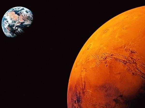 NASA komik astronavt axtarır