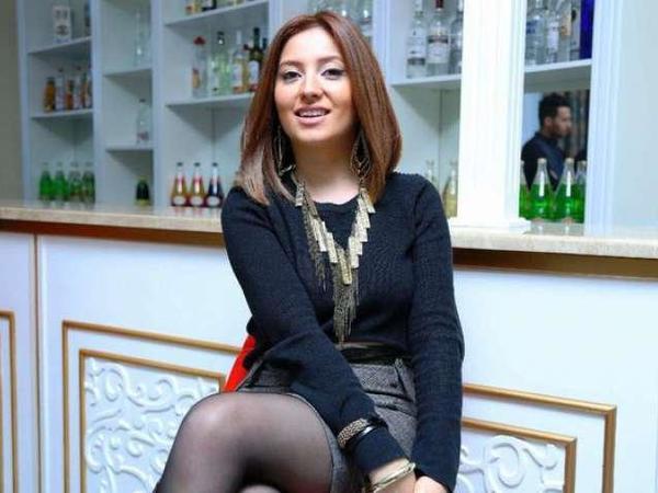 """Ayan Babakişiyeva: """"Təzə çıxan ifaçılar """"karaoke müğənniləri""""dir"""" - <span class=""""color_red"""">VİDEO</span>"""