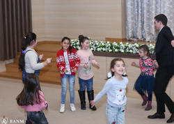 """Bakı Ali Neft Məktəbində """"Xoşbəxt et, Xoşbəxt ol"""" adlı xeyriyyə konserti keçirilib - FOTO"""
