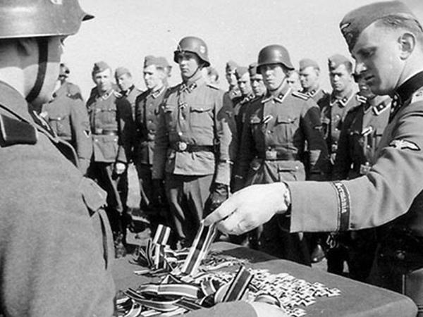 Hitlerin 1941-ci ildə təyin etdiyi pensiya hələ də ödənilir?