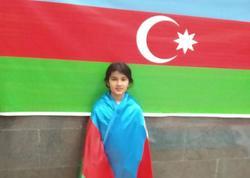 """Bayrağımızın Ermənistan bayrağının altından asılmasına etiraz etdi - <span class=""""color_red"""">Dediyini də elədi, çempion da oldu - FOTO</span>"""
