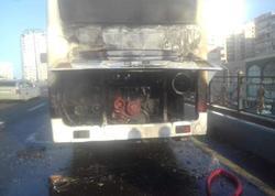 """Bakıda daha bir marşrut avtobusu alışdı - <span class=""""color_red"""">FOTO</span>"""