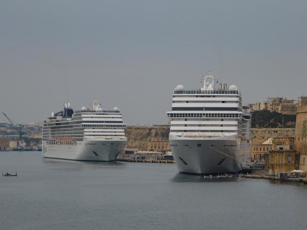 Buenos-Ayresin limanında iki kruiz layneri toqquşub