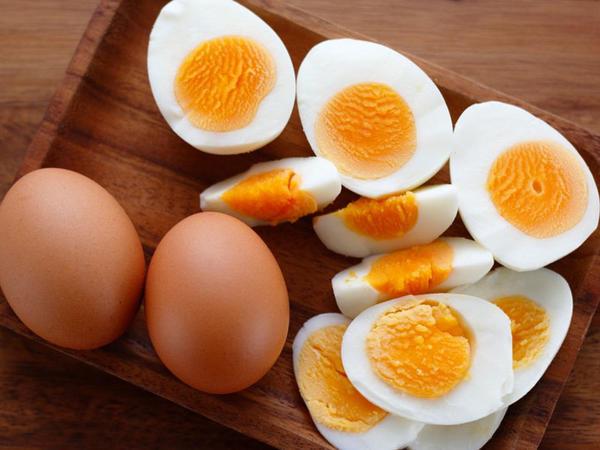 Yumurtanın köhnə olduğunu necə bilmək olar?