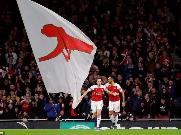 """Avropa Liqası: """"Arsenal""""ın 3 futbolçusu həftənin rəmzi komandasına düşüb"""