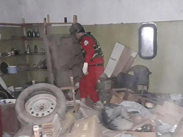 Gədəbəydə yaşayış evindən əl qumbarası və partladıcı tapıldı - FOTO