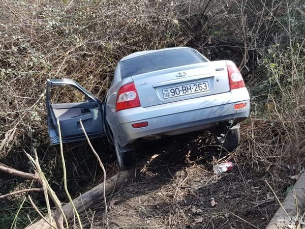 "Ucarda avtomobil su kanalına aşıb, <span class=""color_red"">sürücü ölüb - FOTO</span>"