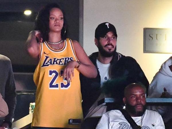 """Rihanna milyarder sevgilisi Cəmillə görüntüləndi - <span class=""""color_red"""">FOTO</span>"""