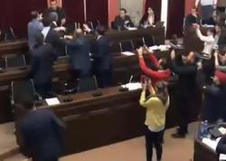 "Gürcüstan parlamentində dava - <span class=""color_red"">VİDEO</span>"