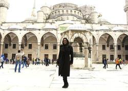 """Dünyada məşhur olan müğənni İstanbula gəldi, <span class=""""color_red"""">İslamı qəbul etdi - FOTO</span>"""