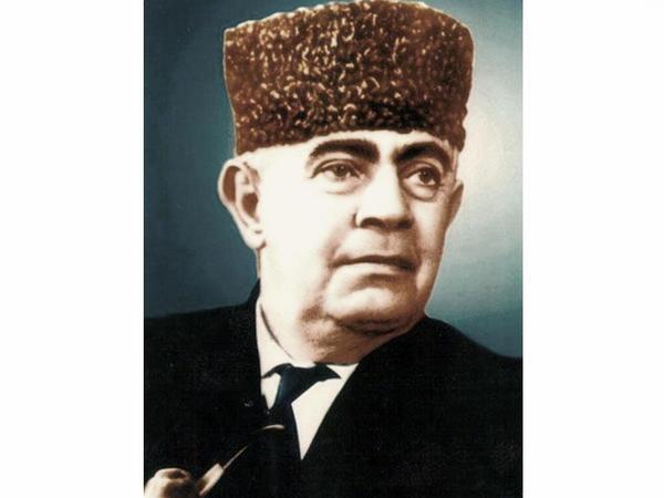 Görkəmli xanəndə Xan Şuşinskinin vəfatından 40 il ötür