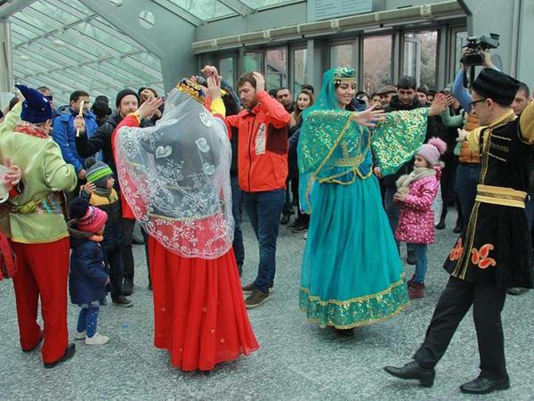 Metropolitendə ilk dəfə Novruz şənliyi təqdim olunur - FOTO