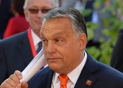 Orbanın partiyası Avropa Xalq Partiyasının sıralarından kənarlaşdırılıb