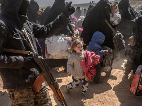 """İŞİD-in xarici uşaqlarının taleyi <span class=""""color_red"""">qeyri-müəyyən qalır</span>"""